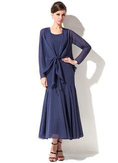 Trompete/Sereia Decote redondo Comprimento médio Tecido de seda Vestido para a mãe da noiva (008050045)
