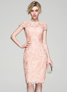 Sheath/Column Scoop Neck Knee-Length Lace Cocktail Dress (016081199)