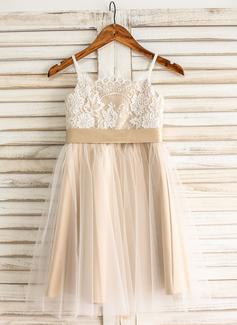A-Line/Princess Square Neckline Knee-Length Tulle Junior Bridesmaid Dress With Sash Bow(s) (009126273)