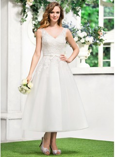 Vestidos princesa/ Formato A Decote V Comprimento médio Tule Renda Vestido de noiva com Curvado (002052767)