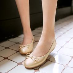 Women's PU Flat Heel Flats Closed Toe With Bowknot shoes (086142462)